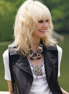 taylor momsen..lead singer of The Pretty Reckless