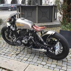 BMW - Brat Bob Custom Cafe Racer, Bmw Cafe Racer, Bmw Classic, Classic Bikes, Cool Motorcycles, Harley Davidson Motorcycles, Jawa 350, Hell On Wheels, Bmw Boxer
