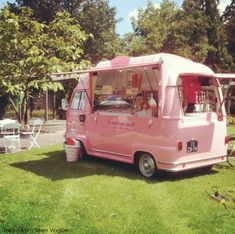 Image uploaded by suzixku. Find images and videos about pink car, pink van and pink food truck on We Heart It - the app to get lost in what you love. Coffee Truck, Coffee Carts, Food Truck Business, Ice Cream Van, Ice Cream Parlor, Mobile Boutique, Mobile Shop, Mobile Cafe, Foodtrucks Ideas