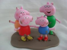 Topo+de+bolo+da+Peppa+Pig+e+família,+mamãe,+papai+e+George. R$ 60,00