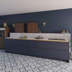 """Bruynzeel Keukens on Instagram: """"Maak kennis met onze ''Olympia nachtblauw''. Deze keuken laat perfect zien hoe je met het gebruik van meerdere kleuren en materialen een…"""" New Kitchen, Olympia, Future House, Bathroom, Instagram, Furniture, Home, Marble, Design"""