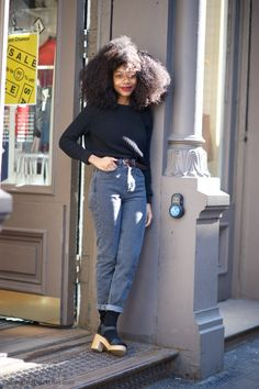 The hair! LOVE! | Boyfriend jeans + clogs + sweater