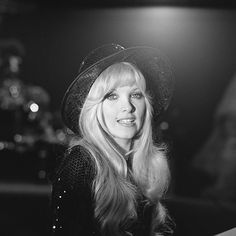 Lynsey De Paul was born in 1950 and died in 2014 from a brain hemorrhage. During the 1970s this UK blonde bomb shell had several hits in the charts. Her first was in 1972 with Sugar Me. http://hits-of-the-70s.blogspot.com/2014/10/in-memory-lynsey-de-paul.html