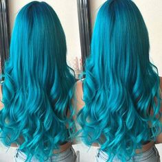 Wonderful mermaid hairstyle~ Love this Turquoise hair color~