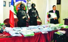 .: (NACIONALES) Curazaleño es arrestado en el aeropue... La Dirección Nacional de Control de Drogas (DNCD) informó ayer del apresamiento de un curazoleño con 19 paquetes de una sustancia que podría ser cocaína o heroína   LEER MASSS    http://www.nuevodianews.net/