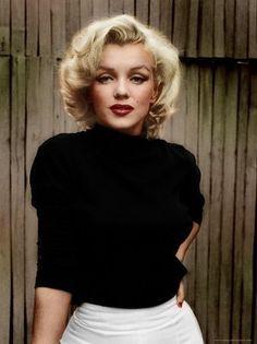 Marilyn Monroe colorizada utilizando o Adobe Photoshop - Mode Schönheit - M . - Marilyn Monroe colorizada utilizando o Adobe Photoshop – Mode-Schönheit – Marilyn Monroe co - Marilyn Monroe Stil, Marilyn Monroe Fotos, Marilyn Monroe Makeup, Marylin Monroe Pictures, Marylin Monroe Style, Marilyn Monroe Costume, Norma Jean Marilyn Monroe, Old Hollywood Stars, Hollywood Glamour