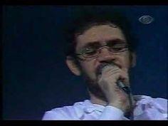 Monte Castelo..Como gosto assistir este clipe do Renato Russo...a voz dele é linda...a letra  é  a perfeição...Boa noite a todos...Admiradora da Bridget Jones 21/11/2015