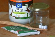 Toothpaste made from purely natural ingredients? Homemade, simple and also inexpensive? Sure it works - this recipe is simply awesome! aufbewahrung garten kleidung kosmetik wohnen it yourself clothes it yourself home decor it yourself projects Homemade Beauty, Diy Beauty, Toothpaste Recipe, Natural Beauty Tips, Beauty Recipe, Natural Cosmetics, Diy Cleaning Products, Health And Beauty, Ayurveda