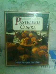 Título: La gran enciclopedia de la pasteleria casera / Autor: Clements, Carole / / Ubicación: FCCTP – Gastronomía – Tercer piso / Código:  G 641.865 C61 / 2 T.