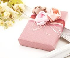 beautifully wrapped gifts | Krabueng, Thai style Gift Wrapping Paper. Beautifully ... | wrap it