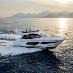 Best Yachts, Luxury Yachts, Small Yachts, Motor Yachts, Boat Fashion, Cool Boats, Yacht Boat, Water Crafts, Boating