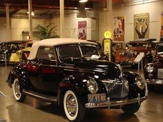 1939 Ford DeLuxe Convertible Coupe with Flathead and Rumble Seat
