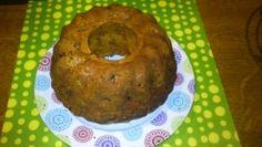 ΥΛΙΚΑ  200γρ μαργαρίνη  300γρ καστανή ζάχαρη  150γρ αλεύρι για όλες τις χρήσεις  150γρ αλεύρι που φουσκώνει μόνο του  3 αυγά  1 κουταλάκι του γλυκού αλάτι  3 βανίλιες  1 κουταλάκι του γλυκού κανέλα  4 μήλα κομμένα σε κύβους  3 κ σ σταφίδες ξανθές