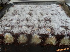 Čokoládovo-kokosové řezy (vynikající) Nutella, Czech Recipes, Sweets Cake, Sweet Desserts, Winter Food, Amazing Cakes, A Table, Sweet Tooth, Food And Drink