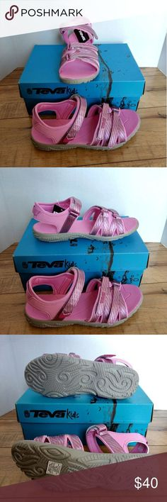 0d93b50c58b1 Girls Teva Tirra Outdoor Strap Pink Sandals 6 New in Box Teva Kids Tirra .