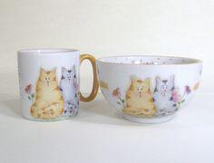 Kit formado por 2 peças -Tigela chinesa -Caneca americana 200 ml Desenho casal de gatos,pode ser personalizado com o nome. R$ 53,00