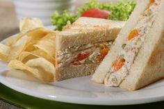 """Que delicia almorzar hoy miercoles """"SANDUCHE DE POLLO"""" de la @reposteriaastor    www.elastor.com.co"""