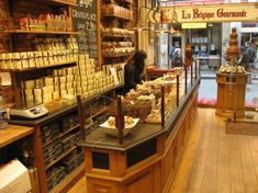 Brussel staat bekend voor zijn chocolade, dus uiteraard ook voor de vele chocolatiers, onder andere op de Grote Zavel en de Grote Markt.