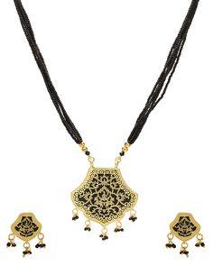 Multi-Layered Black Beaded Thewa Necklace Set