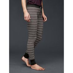 Gap Women Printed Cotton Leggings ($43) ❤ liked on Polyvore featuring pants, leggings, neutral fairisle print, regular, fairisle leggings, cotton elastic waist pants, patterned pants, cotton leggings and print pants