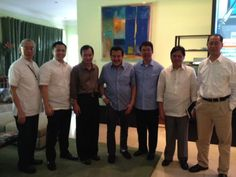 Senator Koko Pimentel leaves UNA via @rapplerdotcom (The guy 2nd from the left is the cutest in the pic). Haha!