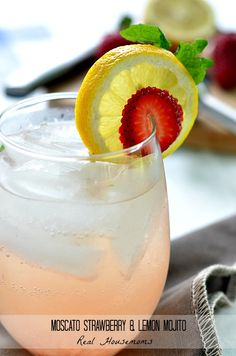 Moscato Strawberry Lemon Mojito | Real Housemoms