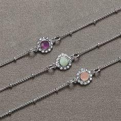 Náramek Kaelan  Postříbřený náramek s polodrahokamem.  Materiál: zinek, sklo, plast, polodrahokam (ametyst, amazonit, nebo růženín).  Délka náramku: 18,5-21 cm.  Průměr ozdobné části: 1 cm. #avon#moda# Bohostyle, Avon, Bracelets, Jewelry, Semi Precious Beads, Silver, Bracelet, Schmuck, Jewlery