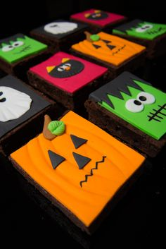 #decorated #halloween #treats #cute #cookies #brownies #cakes #oreos #pumpkins #mummies #monsters and much more from #oushe #gourmet #bakeshop #dubai #uae www.oushe.com 043850011