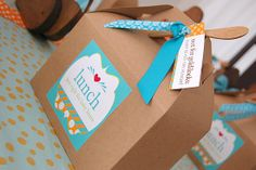 Prepackage: Portioning out lunches for each child beforehand makes mealtime oh-so-easy. We love these sturdy brown kraft boxes with cute coordinating labels and wooden utensils.  Source: Frog Prince Paperie