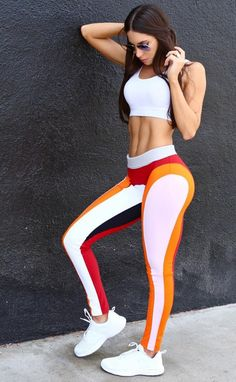 Jen Selter: Who is ready for me to launch my bikini body challenge? Mesh Yoga Leggings, Crop Top And Leggings, Sports Leggings, Cheap Leggings, Leggings Store, Printed Leggings, Workout Vest, Workout Leggings, Sport Fashion
