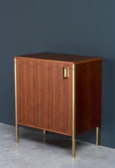 Ico Parisi; Walnut Veneer and Brass 'Positano' Cabinet for MIM, 1958.