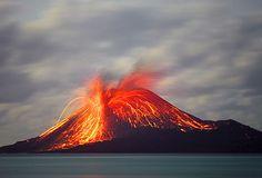 Anak Krakatau volcano, November 2007, Tom Pfeiffer