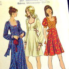 1970s Vintage Sewing Pattern - Maxi Dress Sweetheart Neckline - Empire Boho…