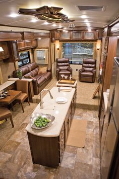 RV Decor | stunning interior design was among the new HR Presidential's most ...