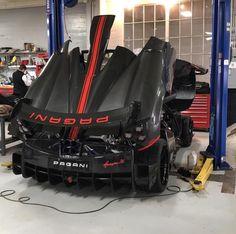 Pagani Huayra BC in exposed carbon fiber w/ Rosso & Nero accents Pagani Huarya, Pagani Huayra Bc, Koenigsegg, Bugatti, Maserati, Ferrari, Lamborghini, My Dream Car, Dream Cars