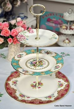 one of many scrumptious vintage plate cake stands