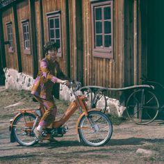 Finnish flower power chick rocking an awesome orange motorbike Marimekko, Real People, Finland, Flower Power, Fashion Forward, 1960s, Bicycle, Photography, Alvar Aalto