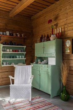 Country House Interior, Home Interior, Wardrobe Organisation, Cabin Kitchens, Cozy Cabin, Scandinavian Home, Beautiful Interiors, Design, Home Decor