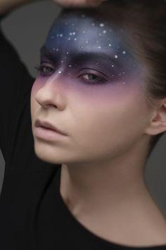 schminktipps-halloween-make-up-gaalxy-idee - Fasching Jette - Accesorios para Maquillaje Witch Makeup, Fx Makeup, Hair Makeup, Alien Makeup, Makeup Brushes, Blush Makeup, Beauty Brushes, Makeup Hairstyle, Prom Makeup
