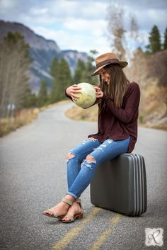 Senior picture props // a globe and a suitcase, perfect for traveling photography!