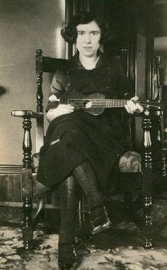 .This woman and a uke, you got yourself a party!