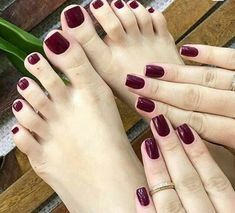 Winter Short Nail Acrylic Square To Try Now 30 - Nails Tip Hair And Nails, My Nails, Fall Toe Nails, Black Toe Nails, Dark Red Nails, Pretty Nails, Pretty Toes, Manicure E Pedicure, Pedicures