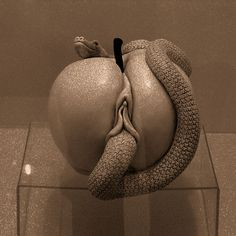 Apple by Dutch sculptress Elisabeth Stienstra.
