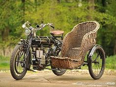 This 1909 Minerva 3½hp with wicker sidecar sold for 34,500 pounds sterling recently Antique Motorcycles, Cars And Motorcycles, Ural Motorcycle, Klr 650, Weird Cars, 3rd Wheel, Car Hacks, My Ride, Cool Bikes