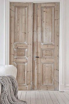 26 Awesome Double Doors Interior Inspiration - fancydecors Informations About 26 Awesome Double Doors Interior Inspiration - fancydecors Pin You can e. Antique Doors, Old Doors, Entry Doors, Pine Doors, Vintage Doors, Garage Doors, Patio Doors, Sliding Doors, House Doors