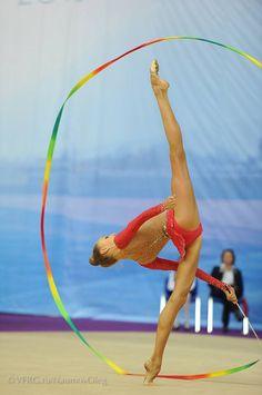 (: #rhythmic #gymnastics