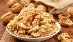 Совет № 1 Утром, на голодный желудок, съедайте 1 столовую ложку льняного семени. Тщательно пережевывайте, запивая стаканом теплой воды. Через 30 минут можно есть. Какой эффект это дает? Это замечательно очищает организм. Кожа станет более ровной и свежей. К тому же это приведет к небольшому, но здоровому похудению. Так же, семя льна укрепляет волосы и ногти. Учтите, что семя льна …