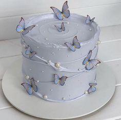 Pretty Birthday Cakes, Pretty Cakes, Cute Cakes, Beautiful Cakes, Amazing Cakes, 21st Birthday Cakes, Sweet 16 Cakes, 17th Birthday, Designer Birthday Cakes