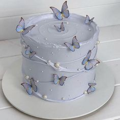 Pretty Birthday Cakes, Pretty Cakes, Cute Cakes, Beautiful Cakes, Amazing Cakes, Sweet 16 Cakes, 18th Birthday Cake, Designer Birthday Cakes, Flower Birthday Cakes