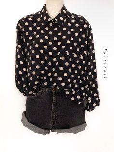 Mein True Vintage 100% Seide Polka Dots Pünktchen Muster Bluse Hemd  von true vintage! Größe Uni für 36,00 €. Sieh´s dir an: http://www.kleiderkreisel.de/damenmode/blusen/141382425-true-vintage-100-seide-polka-dots-punktchen-muster-bluse-hemd.